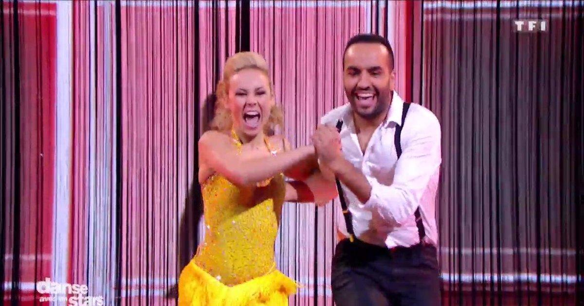 Danse avec les stars  : Un Jive pour Kamel Le Magicien et Emmanuelle Berne sur « Mambo n°5 » (Lou Bega)  - TF1