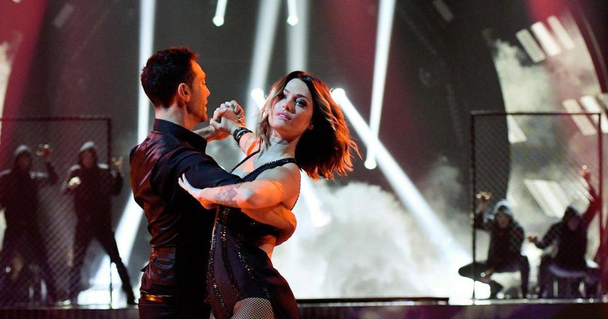 Danse avec les stars  : Un Tango pour Caroline Receveur et Maxime Dereymez  sur « I Kissed a Girl » (Katy Perry)  - TF1