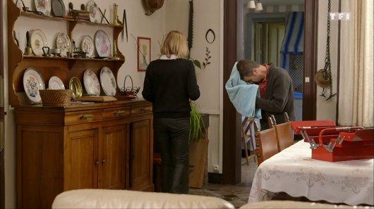 Voir le replay de l'emission Petits secrets entre voisins du 21/03/2018 à 11h30 sur TF1