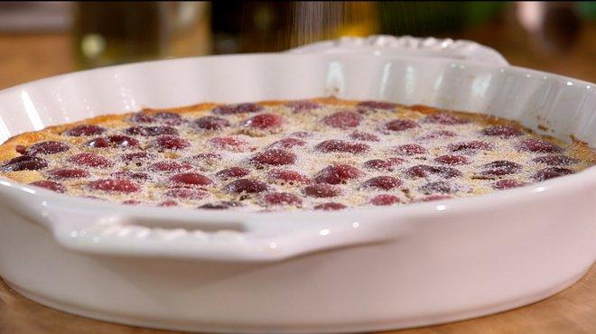 Recette de clafoutis limousin petits plats en equilibre - Tf1 recettes cuisine laurent mariotte ...
