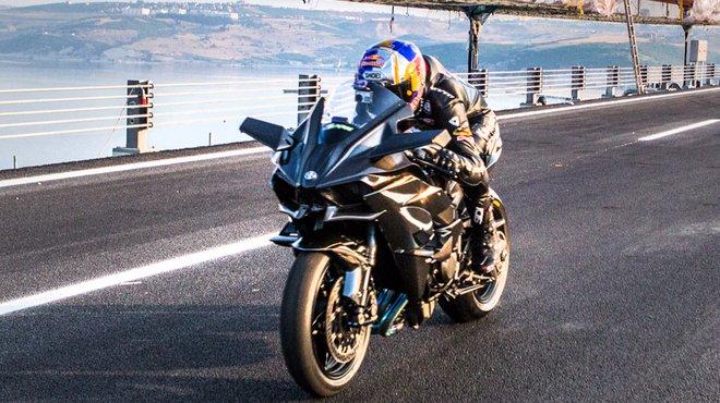 Record La Kawasaki H2R Atteint Les 400 Km H