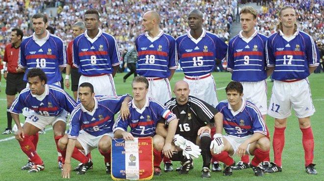 Souvenez vous le 13 juillet 1998 les bleus sur les - Equipe de france coupe du monde 2002 ...