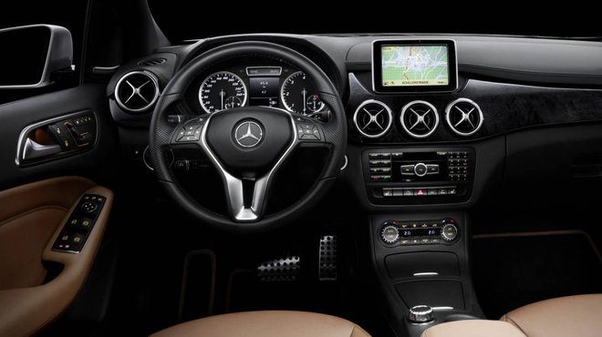 Mercedes classe b 2011 l 39 int rieur d voil automoto for Interieur mercedes classe b