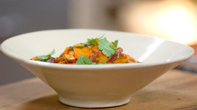 recette de curry de carottes aux dattes petits plats en equilibre. Black Bedroom Furniture Sets. Home Design Ideas