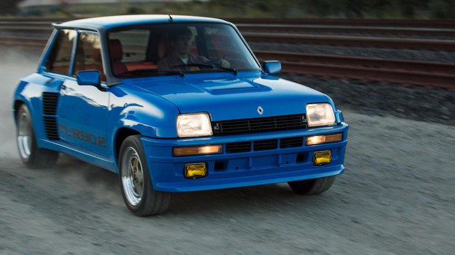 occasion du jour une renault 5 turbo 1983 estim e jusqu 39 automoto tf1. Black Bedroom Furniture Sets. Home Design Ideas